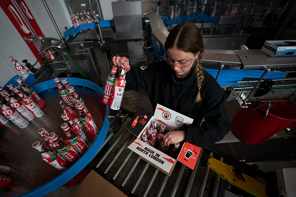 Delivery Room「Camden Town Brewery Prepares Stock For April 12 Pub Openings」:写真・画像(8)[壁紙.com]
