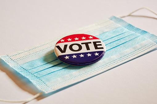 Politics「Vote pin on surgical mask」:スマホ壁紙(8)