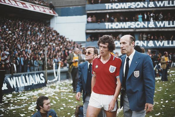 Sports Clothing「Trevor Cherry Sent Off  Argentina v England Friendly 1977」:写真・画像(6)[壁紙.com]