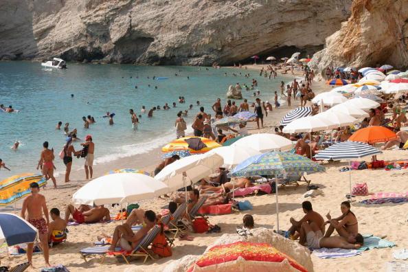 Greece「Beaches Draw Summer Tourists To Lefkada Island」:写真・画像(2)[壁紙.com]