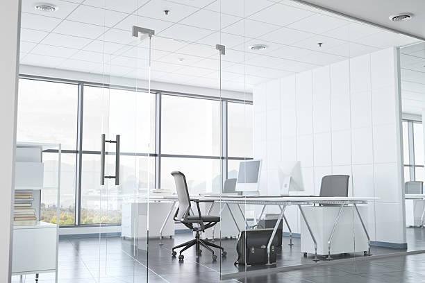 Modern Office Room With Glass Walls:スマホ壁紙(壁紙.com)