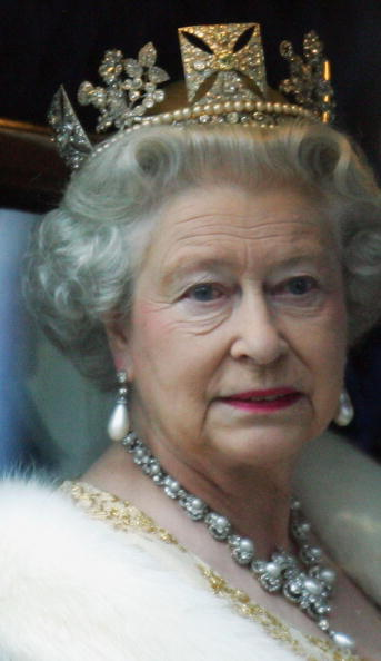 Crown - Headwear「The Queen Attends State Opening Of Parliament」:写真・画像(14)[壁紙.com]