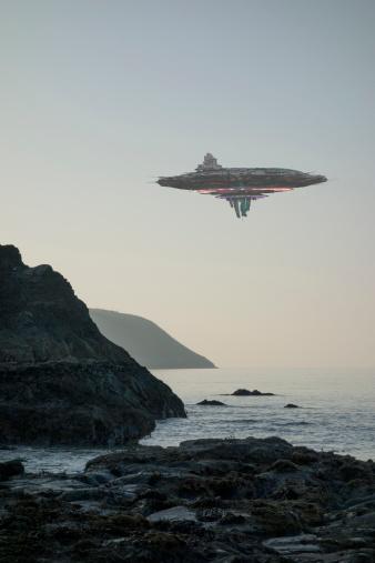 Rocky Coastline「UFO / Flying Saucer / Alien Spacecraft」:スマホ壁紙(12)
