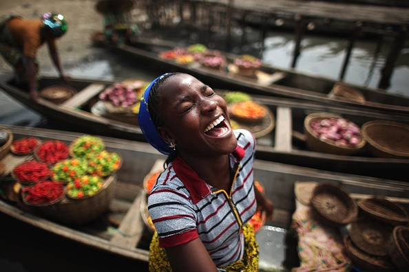 Laughing「Daily Life In And Around Cotonou」:写真・画像(13)[壁紙.com]