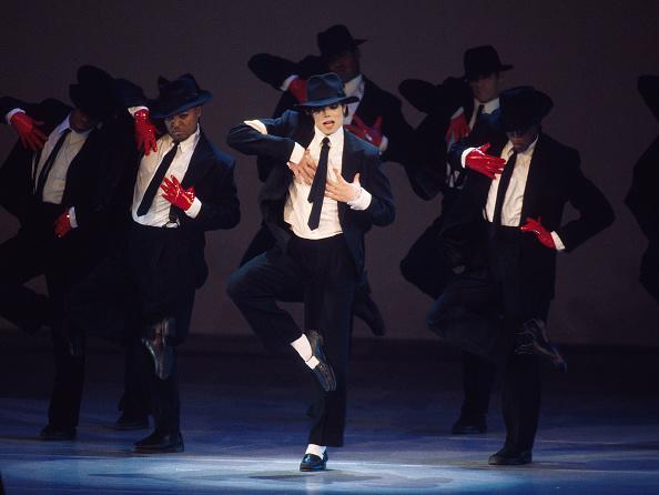 Dancing「Michael Jackson Concert - Day 1」:写真・画像(10)[壁紙.com]