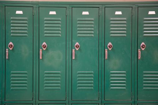 Locker「Green School Lockers with Combination Locks」:スマホ壁紙(12)