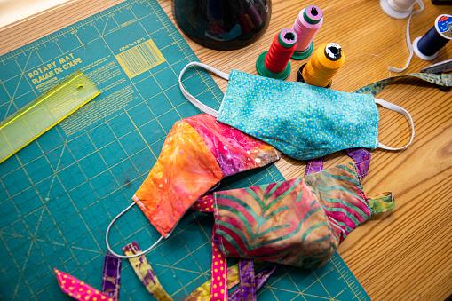 Thread - Sewing Item「Woman Sewing Face Masks during Coronavirus Pandemic」:スマホ壁紙(7)