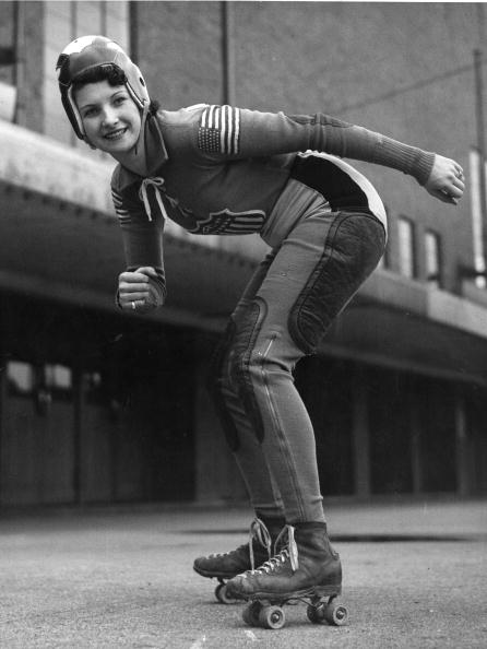 Sports Clothing「Speedway Skater」:写真・画像(10)[壁紙.com]