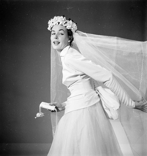 Wedding Dress「And The Bride Wore」:写真・画像(1)[壁紙.com]