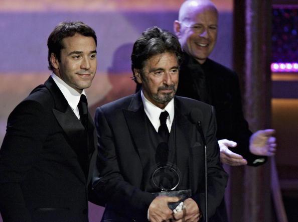 Behind「20th Annual American Cinematheque Award Honoring Al Pacino - Inside」:写真・画像(15)[壁紙.com]