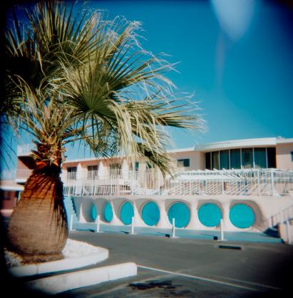 Motel「Glass Pool Inn Motel Las Vegas Nevada, Holga, Retro, Square」:スマホ壁紙(12)