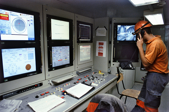 Business Finance and Industry「Inside the control room on the Herrenknecht TBM which has made good progress through the Alpine molasse and is 500m into the second 3100m long drive, A41 autoroute France」:写真・画像(15)[壁紙.com]