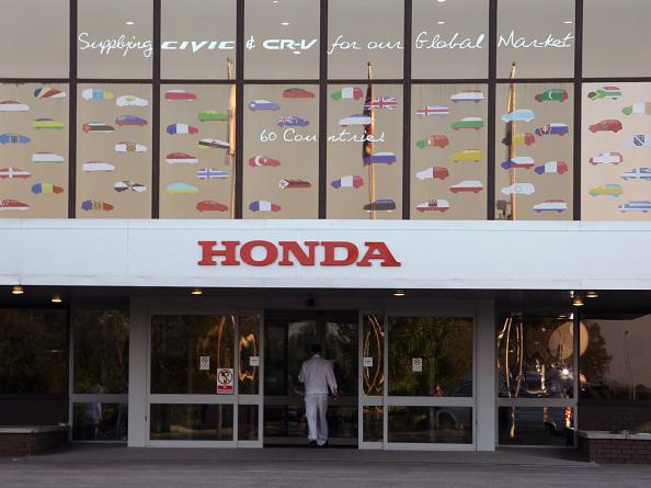 Matt Cardy「Honda Workers Return to Work After A Four Month Factory Shut Down」:写真・画像(6)[壁紙.com]