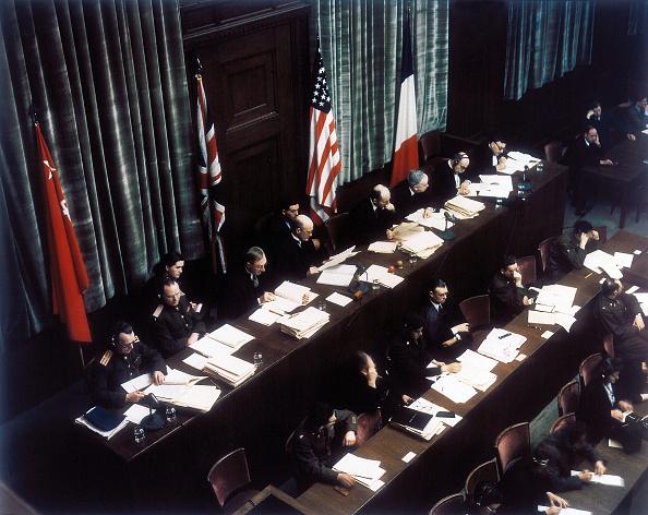 Bench「Nuremberg Judges」:写真・画像(1)[壁紙.com]