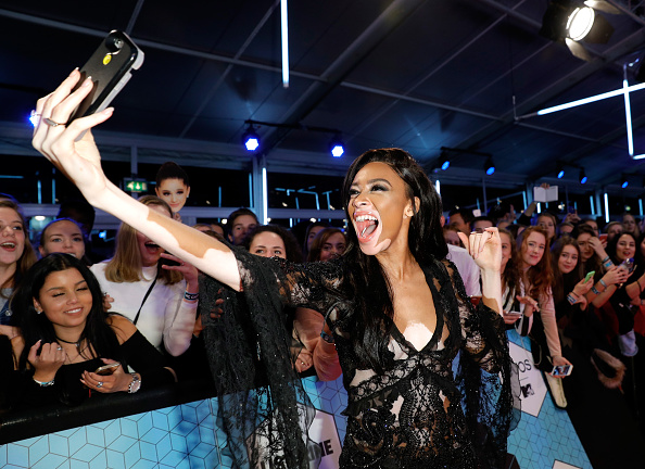 Photography Themes「MTV EMA's 2016 - Red Carpet Arrivals」:写真・画像(16)[壁紙.com]