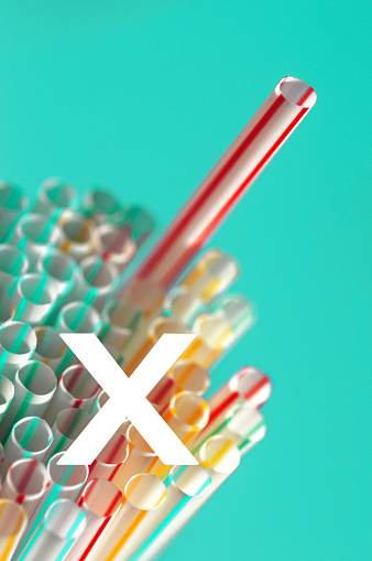 "Activist「Group of straws with one sticking out with a white LETTER ""X"" concept for the BAN of single use plastics.」:スマホ壁紙(7)"