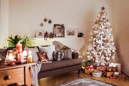 Denmark「Nordic Christmas with a White Christmas Tree」:スマホ壁紙(10)