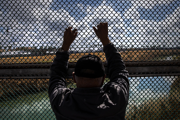 """Mexico「Asylum Seekers Cross Into U.S. In Reversal Of Trump's """"Remain In Mexico"""" Policy」:写真・画像(15)[壁紙.com]"""