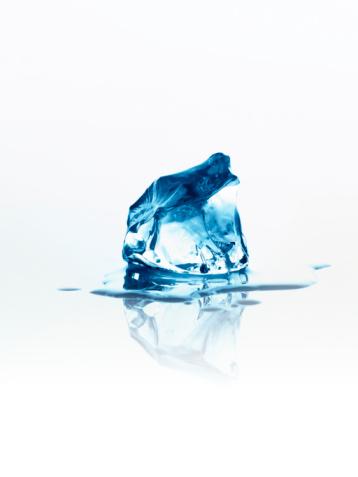 Melting「Melting ice cube」:スマホ壁紙(13)