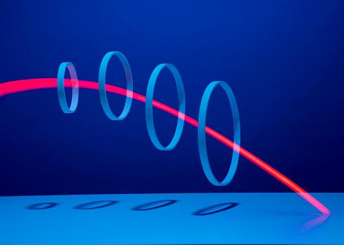 Light Trail「Red light streaking through 4 hoops」:スマホ壁紙(5)