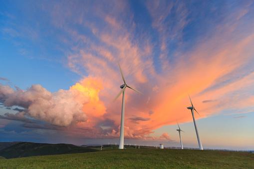 Spinning「Wind turbine generator & rainbow」:スマホ壁紙(5)