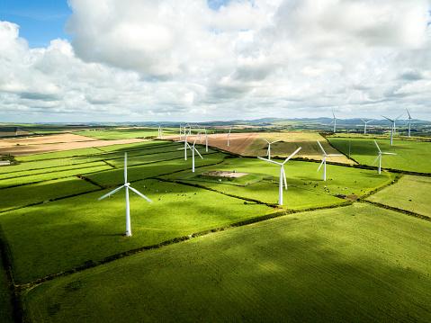 Power Equipment「Wind turbine fields in Cornwall」:スマホ壁紙(9)
