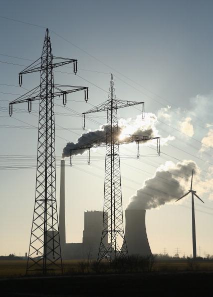 Power Equipment「Germany Debates Renewable Energy Investements」:写真・画像(0)[壁紙.com]