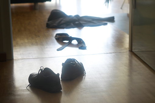 Necktie「Shoes, jacket and tie on the floor in the hallway」:スマホ壁紙(18)