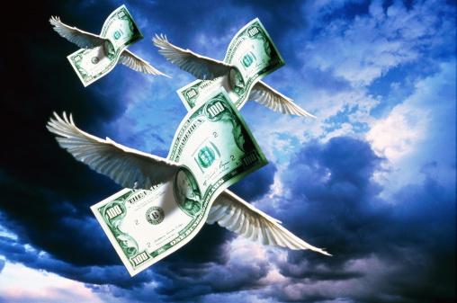 American One Hundred Dollar Bill「US currency, one hundred dollar bills 'flying' (Digital Composite)」:スマホ壁紙(7)