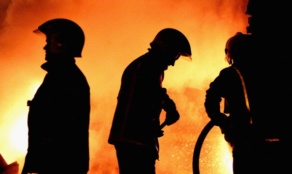 Inferno「Fire Crews Face Their Busiest Night Of The Year」:写真・画像(5)[壁紙.com]