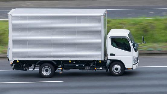 Running「Running truck」:スマホ壁紙(9)