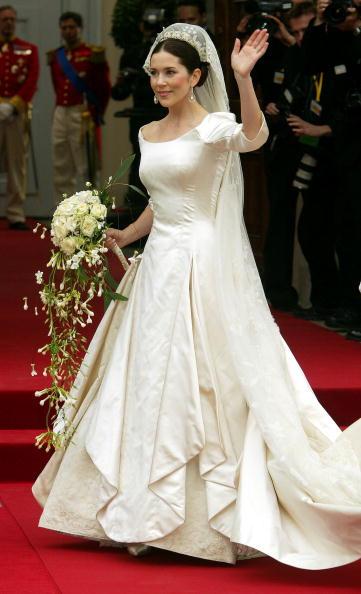 Wedding Dress「Wedding Of Danish Crown Prince Frederik and Mary Donaldson」:写真・画像(14)[壁紙.com]