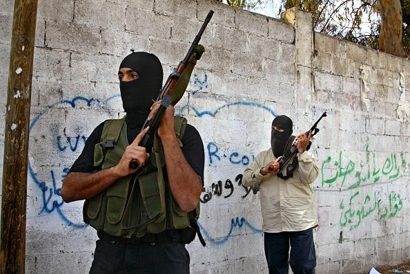 Gunman「Palestinian Police Arrest Gunmen Who Stormed Palestinian Health Ministry」:写真・画像(18)[壁紙.com]