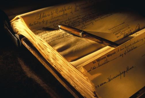 Deed「Pen on archive of public records」:スマホ壁紙(16)