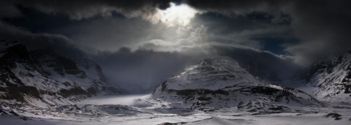 コロンビア大氷原「Canada, Jasper National Park, Columbia Ice Field, Athabasca Glacier, Canadian Rockies and storm cloud」:スマホ壁紙(10)