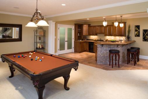 Basement「Lower level game room and bar in residential home.」:スマホ壁紙(10)