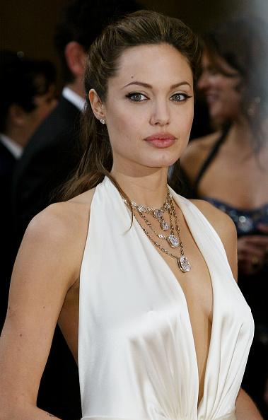 アンジェリーナ・ジョリー「76th Annual Academy Awards - Arrivals」:写真・画像(15)[壁紙.com]