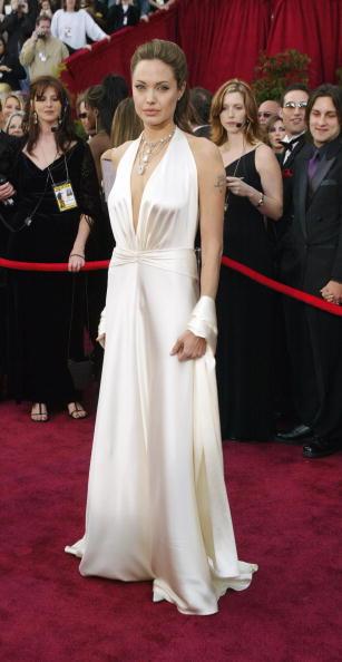 アンジェリーナ・ジョリー「76th Annual Academy Awards - Arrivals」:写真・画像(8)[壁紙.com]