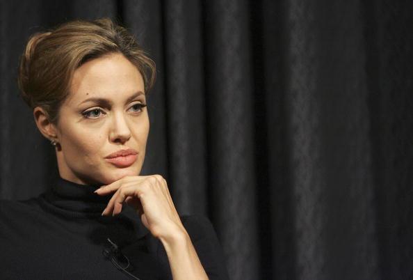 アンジェリーナ・ジョリー「MTV Presents: Diary Of Angelina Jolie And Dr. Jeffery Sachs In Africa」:写真・画像(2)[壁紙.com]