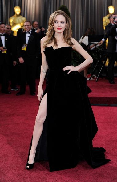 アンジェリーナ・ジョリー「84th Annual Academy Awards - Arrivals」:写真・画像(5)[壁紙.com]