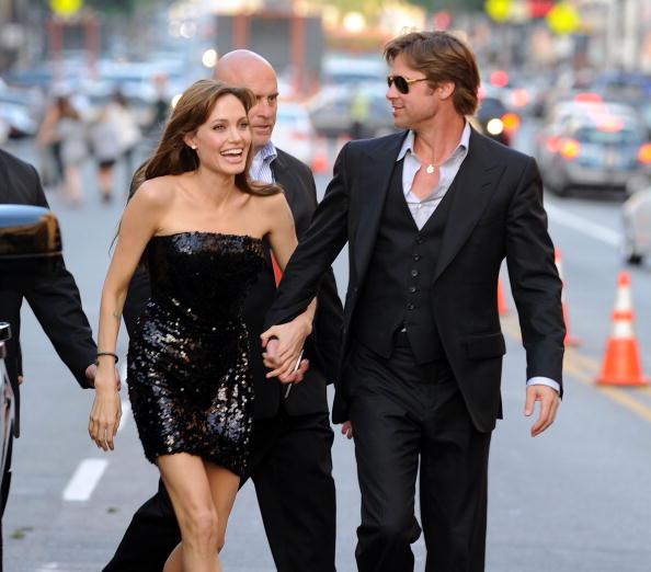 """アンジェリーナ・ジョリー「Premiere Of Sony Pictures' """"Salt"""" - Arrivals」:写真・画像(10)[壁紙.com]"""