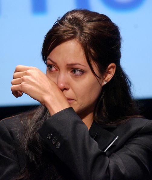 アンジェリーナ・ジョリー「Angelina Jolie Participates in UN World Refugee Day」:写真・画像(12)[壁紙.com]