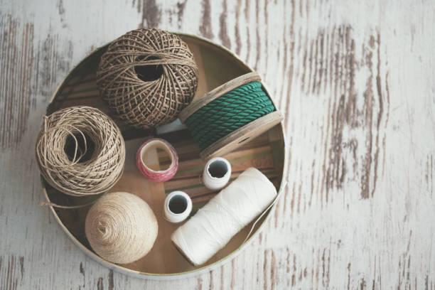 Various decorative ropes - knolling:スマホ壁紙(壁紙.com)
