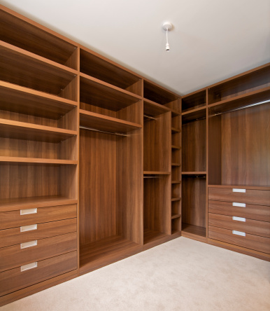 Carpentry「empty walk in wardrobe」:スマホ壁紙(11)