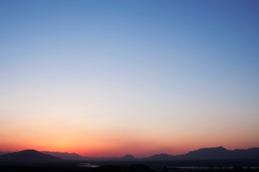 Horizon Over Land「Landscape of mountain range and the sky at dusk, China」:スマホ壁紙(15)