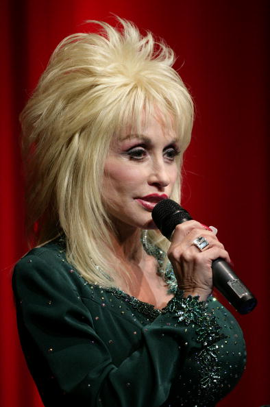 Country Music Academy「Dolly Parton Launches Her First UK 'Imagination Library' Scheme」:写真・画像(18)[壁紙.com]