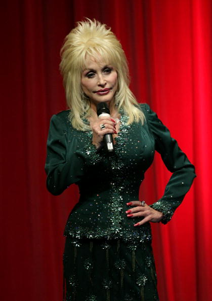 Country Music Academy「Dolly Parton Launches Her First UK 'Imagination Library' Scheme」:写真・画像(16)[壁紙.com]
