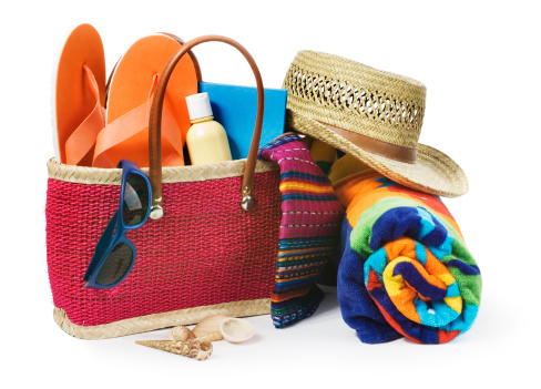 Flip-Flop「Summer Vacation Beach Bag with Supplies Isolated on White Background」:スマホ壁紙(9)