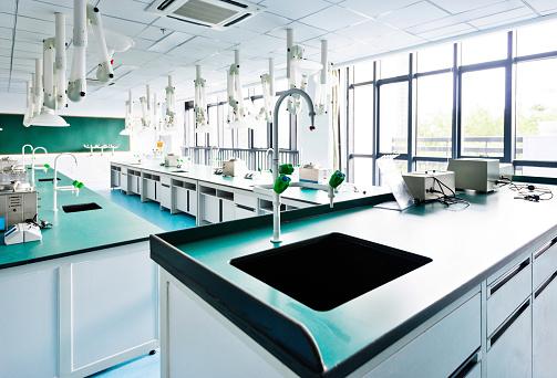 Chemical「Empty laboratory in high school」:スマホ壁紙(7)