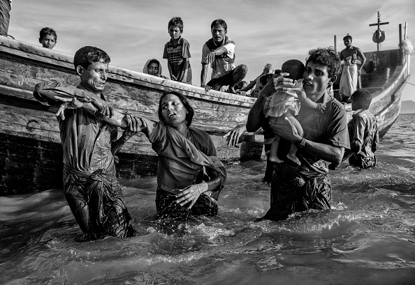 Crisis「Rohingya Refugees Flee Into Bangladesh to Escape Ethnic Cleansing」:写真・画像(6)[壁紙.com]